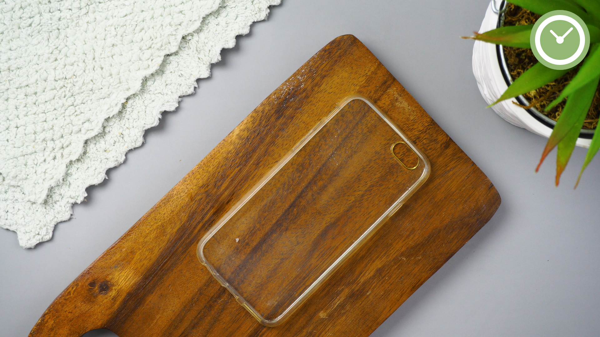 yellowing phone cases 01